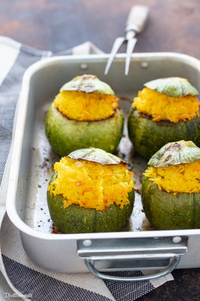 Zucchine tonde ripiene con riso basmati allo zafferano