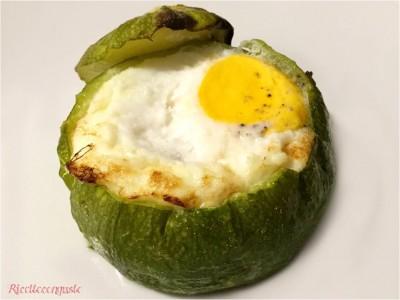 Zucchine tonde ripiene con tonno e uovo
