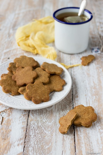 Biscotti di frolla senza glutine con olio e zucchero di cocco