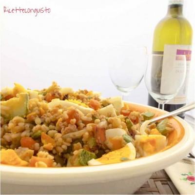 Cereali alle verdure uova sode e tonno