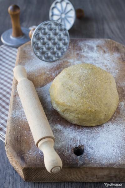 Pasta frolla con grano saraceno e mandorle senza burro e zucchero