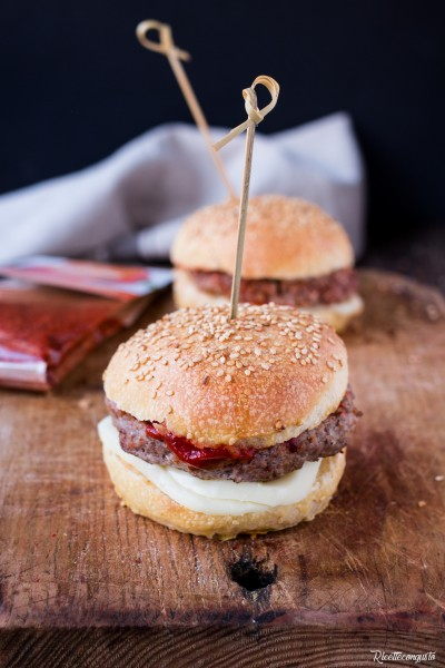 Hamburger homemade di carne ai peperoni
