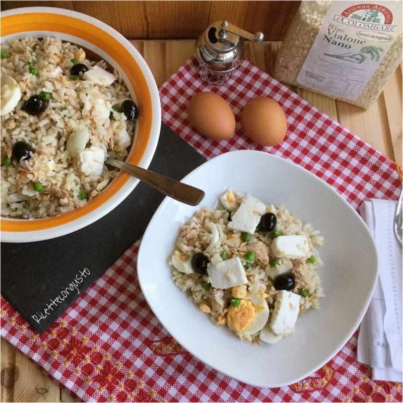 Insalata di riso con tonno, uova e primo sale