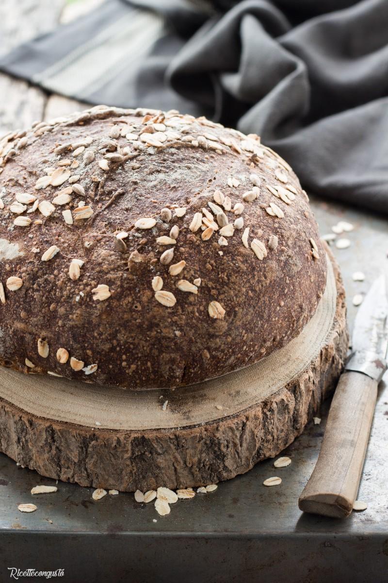 Pane ai sette cereali, farro e fiocchi d'avena