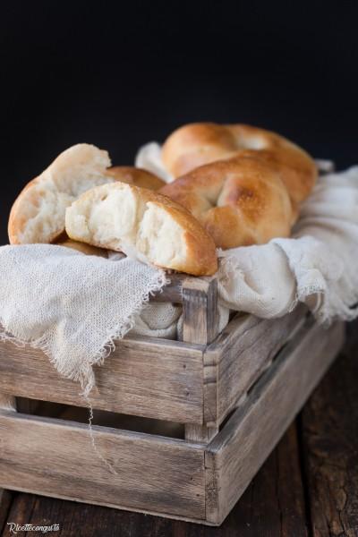 Panini morbidi al miele (senza burro, latte e uova)