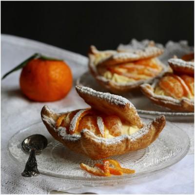 Scrigno di sfoglia con mousse al mandarino