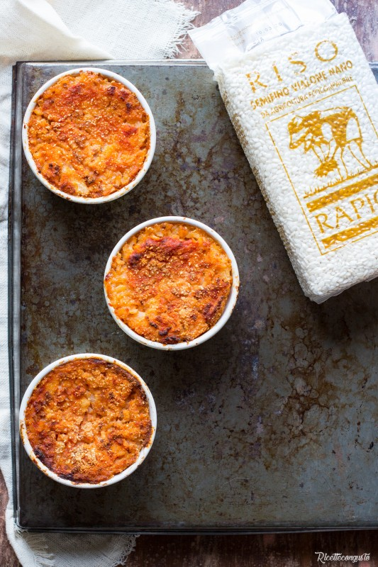 Timballini di riso al forno con prosciutto e formaggio