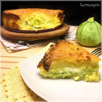 Tortino di patate zucchine e ricotta con mozzarella filante
